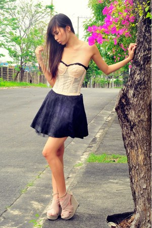 black lace black dress - light pink chiffon Online bought wedges - light pink la