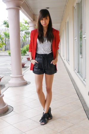Random from Korea shoes - random top - thrifted blazer - Forever 21 necklace - f