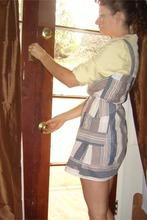Anne Taylor blouse - Kimchi&Blue uo dress