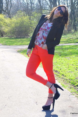 black power shoulder Bershka blazer - black new look heels - Primark blouse - ca