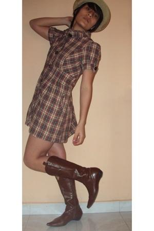 hat - dress - boots