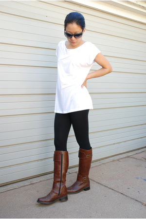 banana republic t-shirt - Target tights - Rieker shoes