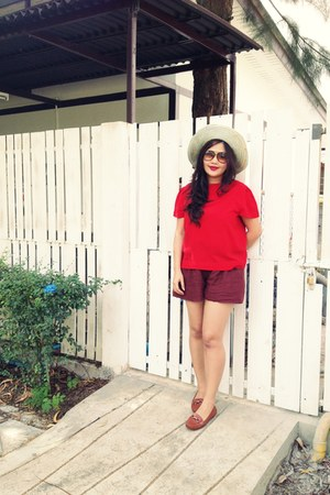 red chiffon Top top - tawny dior dior sunglasses - brick red cotton pants pants