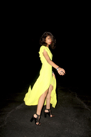 chartreuse slit maxi bcbg max azria dress - black pleather zip Nasty Gal heels