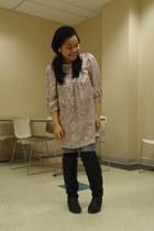 salmon Kamiseta dress - silver American Apparel leggings - black boots - black T