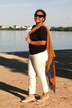 black Forever 21 sunglasses - burnt orange Choies scarf - white Gap pants