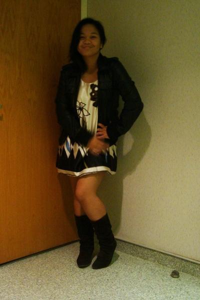 Suzy Shier jacket - maldita dress - le chateau boots