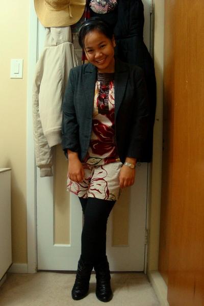 Dynamite earrings - Juana dress - garage leggings - Sirens boots - SM