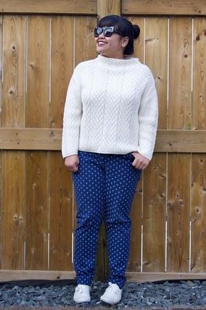 white Zara sweater - blue Old Navy jeans - black Forever 21 sunglasses