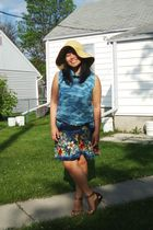 beige Walmart hat - blue Divi dress - gold Divi shoes