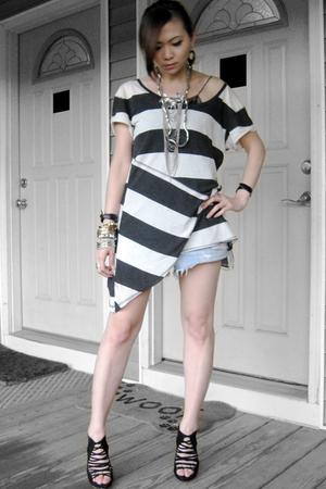 Zara top - Levis jeans - Zara shoes - Forever21 necklace - H&M bracelet - H&M br