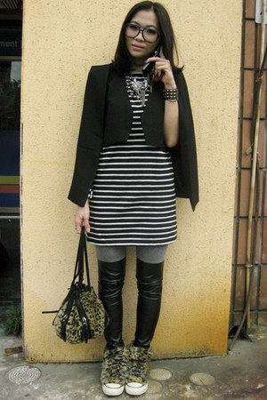 black capevest cape - black stripy dress dress - heather gray leggings