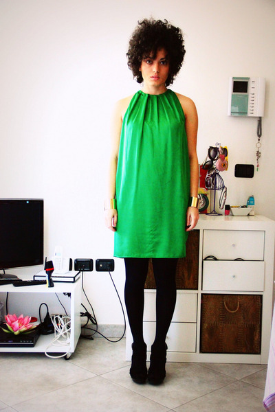 chartreuse peplum Zara dress - black ultracovering Calzedonia tights