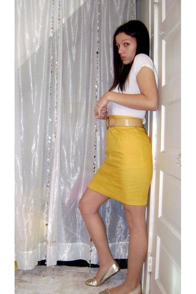 Hanes t-shirt - Goodwill skirt - Goodwill belt - Target shoes