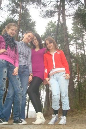 black Zara shoes - navy Terranova jeans - black Accessorize scarf - hot pink nik