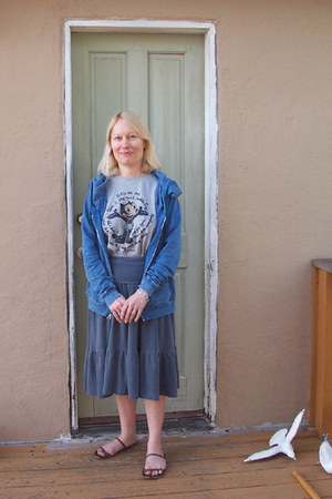 C & C California hoodie - felix the cat unknown t-shirt - Velvet skirt - olive b