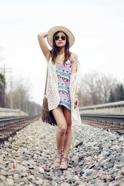 fringe brandy melville bag - Forever 21 hat - crochet Forever 21 vest