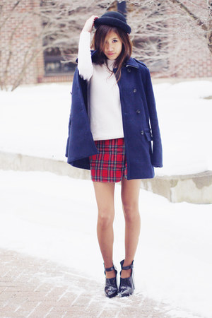 peacoat madewell coat - Nasty Gal hat - turtleneck Aritzia sweater - Zara bag
