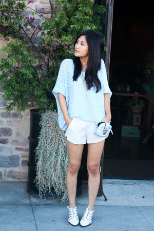 oversized Chicwish sweater - Forever 21 shoes - leather Zara shorts