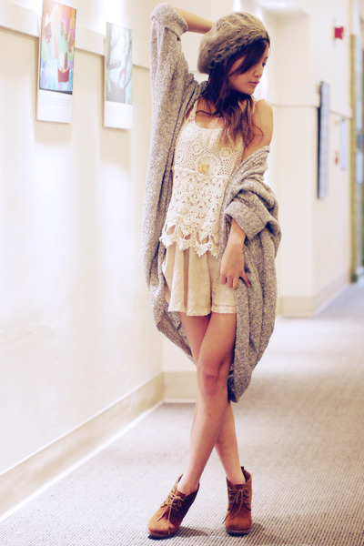 oversized American Apparel cardigan - ankle boots Steve Madden boots