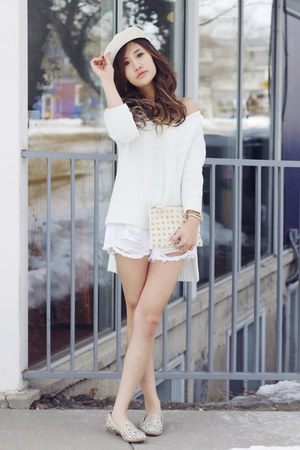 oversized Nasty Gal sweater - clutch Zara bag - destroyed Nasty Gal shorts