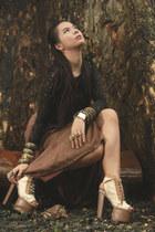 black lace bangkok top - camel maxi skirt moms skirt - off white platform ANDRE