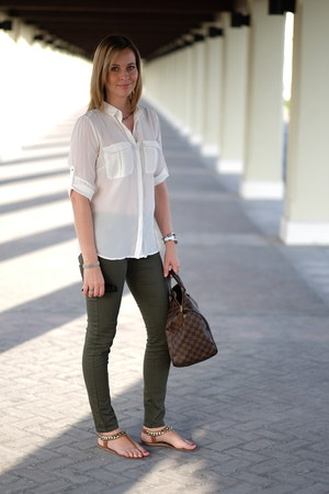 white H&M shirt - army green H&M jeans - brown speedy 35 Louis Vuitton bag