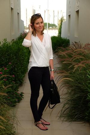 H&M blouse - H&M jeans - Michael Kors bag - Ray Ban sunglasses