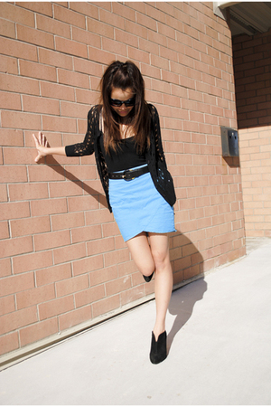 Urban Outfitters skirt - vintage belt - Forever 21 top - Nine West boots - Topsh