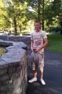 Eggshell-superdry-shorts-ivory-river-island-t-shirt
