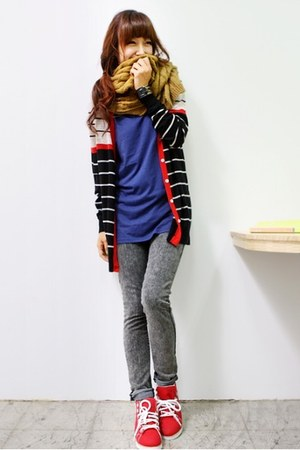 light orange scarf - black mestyle cardigan - blue sweater - heather gray Levis