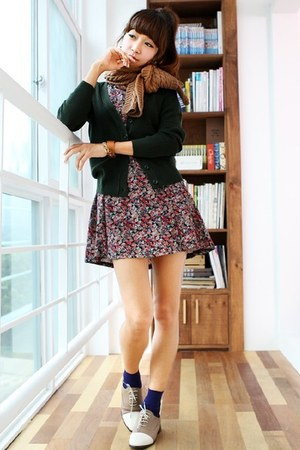 forest green Kstyle sweater - salmon Brunch dress - tan Zara shoes