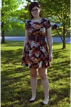 burnt orange floral Urban Outfitters dress - dark brown hat