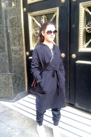 black trench coat H&M coat - black Puma bag - H&M sunglasses