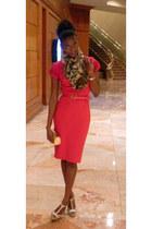 Cache dress - Cache scarf - gold glitter heels