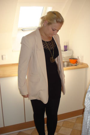 beige GINA TRICOT blazer - black H&M dress - black pieces leggings - black H&M s