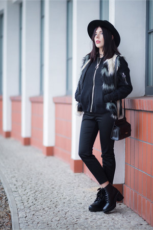 black bomber H&M jacket - black platforms Stradivarius shoes