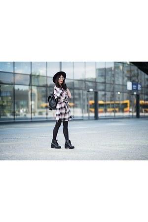 white checkered Zara dress - black ankle boots Stradivarius boots