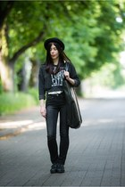 black jeans KappAhl jeans - black wool H&M hat - white moodo shirt