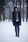 Black-leather-lasocki-boots-black-wool-f-f-coat