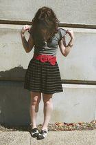 black f21 skirt - gray Express top - red f21 belt - black Aldo shoes