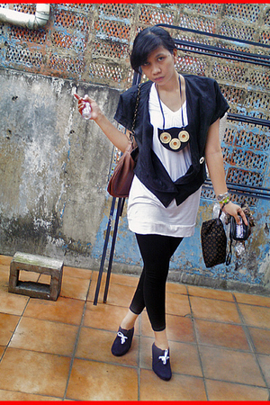 black blazer - white top - black tights - black boots - black necklace