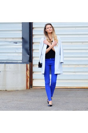 blue skinny H&M pants - black pointy leather shoes - light blue coat coat