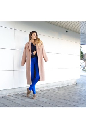 camel suede shoes - nude wool coat - cotton H&M pants