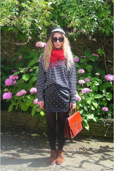 vintage scarf - Topshop skirt - Urban Outfitters hat - vintage wallet - vintage