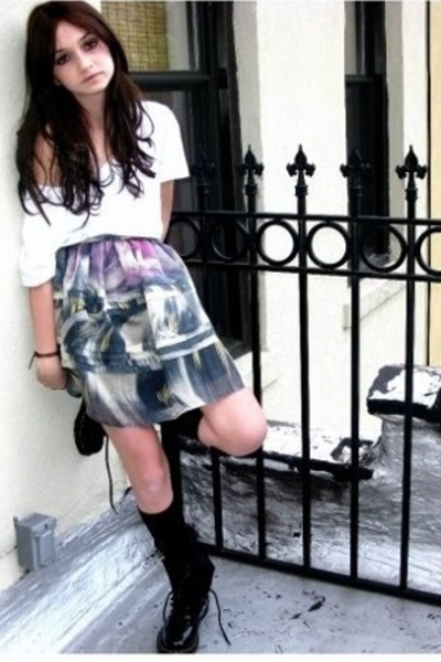 silence and noise skirt - yaya skirt - doc martens boots