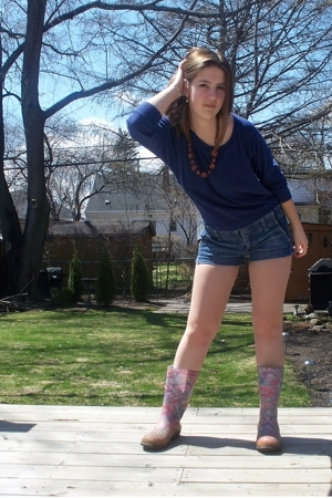 kamik boots - American Eagle shorts - i bought it at a garage sale necklace - Am