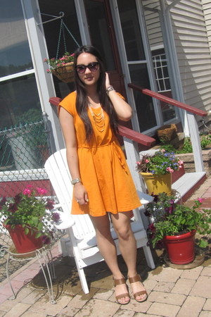 orange H&M dress