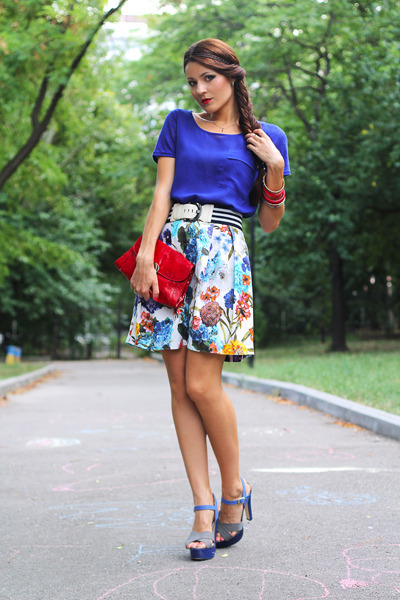 blue Carvela shoes - red Capo Verso bag - white Miss Sixty skirt