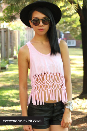 http://www.chictopia.com/photo/show/708743-DIY+Macrame+Tank+Top-light-pink-macrame-top